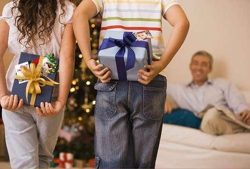 Что дарить родителям в этот праздник