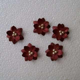 Формируем наш цветочек из двух цветочных элементов