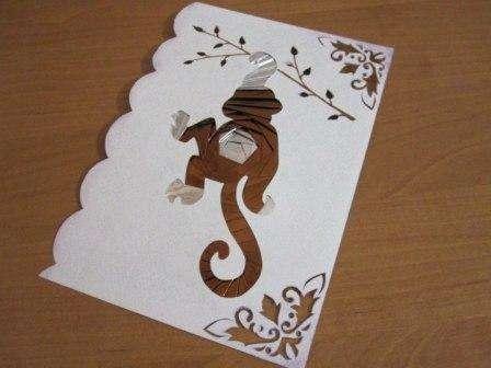 А начнем мы с вами с самой заковыристой и сложной открытки, выполненной в технике айрис-фолдинг