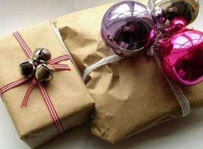 Дизайн праздничных подарков для родных и близких