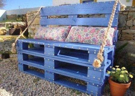красивая скамья из палет