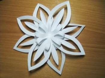 Объемная снежинка своим руками из одного листа белой бумаги