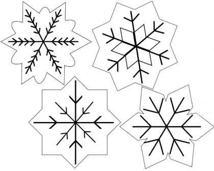 Снежинки из фетра могут быть абсолютно любой формы. Вы можете использовать схемы и шаблоны обычных снежинок из бумаги, переносить их на фетр и аккуратно вырезать ножницами.