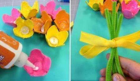 """В центр высохших цветов нужно приклеить по пуговице. Они могут быть различными по размеру и цвету. Готовые цветочки приклеиваются к холсту, при этом важно естественно расположить их над """"стеблями""""."""