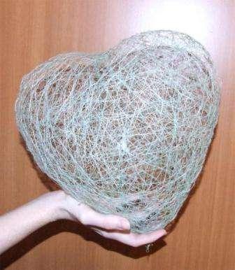 Воздушное сердечко из ниток в подарок на 14 Февраля