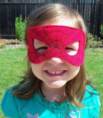 Такой вариант масок идеально подойдет не только для мальчиков, но и для активных девочек.