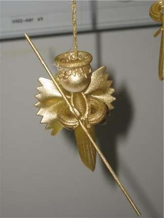 Очень скоро в каждом доме зажгутся весёлые огоньки на новогодних ёлках