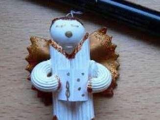 Ёлочные игрушки из макарон, фото: