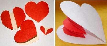 Для того чтобы у вас получилась объемная открытка, нужно подготовить несколько заготовок. В середине у вас должны раскрываться сердечки, поэтому на листе бумаги начертите сердце, а также по бокам полусердца для того, чтобы склеить их между собой.