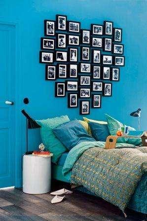 В интерьере спальни с помощью фото вы можете оформить целую стену. Для этого тоже придется подобрать много красивых фотографий и определиться с их размерами