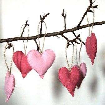 Итак, первоначально на 14 февраля вы просто обязаны подарить любимой или любимому хорошее настроение!