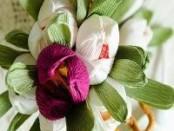 Тюльпаны из гофрированной бумаги своими руками. Фото