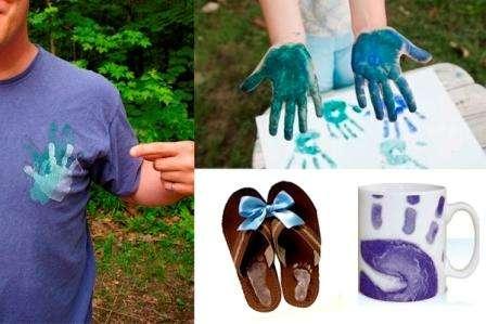 Маленькие дети могут оставить отпечатки своих ручек и ножек на листе бумаги или ткани. Если купить подходящую краску, то отпечатки легко перенести на футболку, тапочки или посуду. Приучайте детей с раннего возраста