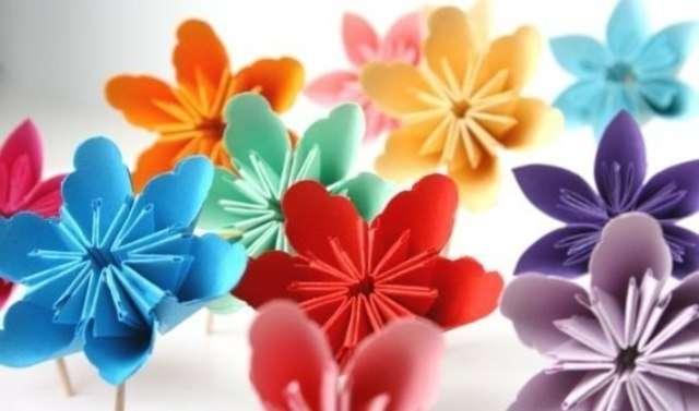 Как делать цветы из бумаги своими руками. Лёгкие схемы