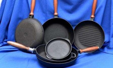 Как очистить сковороду и кастрюлю от жира и нагара
