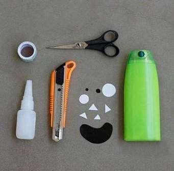 Итак, приступим. Что же вам понадобится для создания оригинальной карандашницы - монстра для маленького художника: