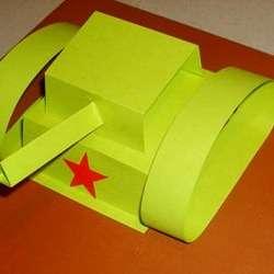 А для того, чтобы сейчас можно было вырезать звезду и наклеить ее с передней стороны нашей военной техники из бумаги