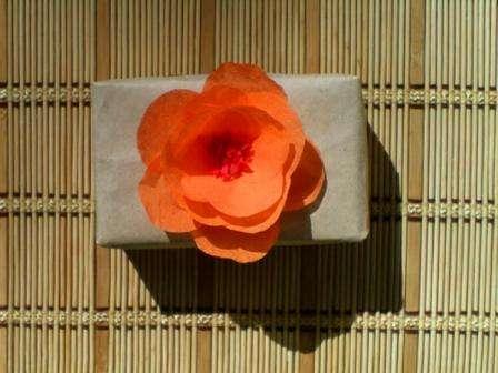 Цветок из салфеток: просто и очень красиво