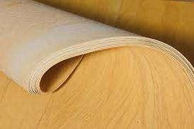 Гибкость форм. Накладывает требования к ремонтируемой поверхности, ее ровности, подготовленности к отделке. Иначе, неровные участки будут слишком заметны, выделены на фоне камня