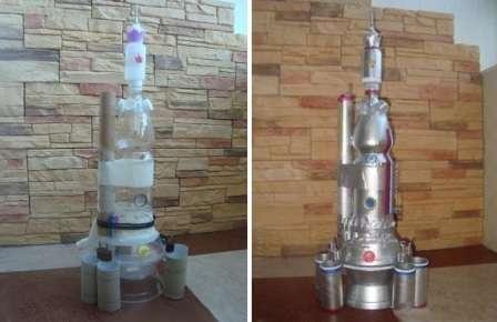 Из рулонов от туалетной бумаги и полотенец можно сделать не только ракету или корабль, но целую космическую станцию. Для этого вам понадобятся пластиковые бутылки, двусторонний скотч, аэрозольная краска, пластиковые тарелки
