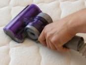 Как очистить матрас от пятен в домашних условиях