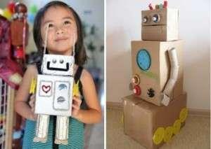 Если ваш ребенок в восторге от роботов, не обязательно покупать готовую игрушку в магазине. Попробуйте сделать своими руками красивого робота. Для этого не нужно каких-то определенных знаний и умений. Можно использовать обычные картонные коробочки разных размеров и рулончики от туалетной бумаги. Металлический эффект подделке придайте с помощью фольги.