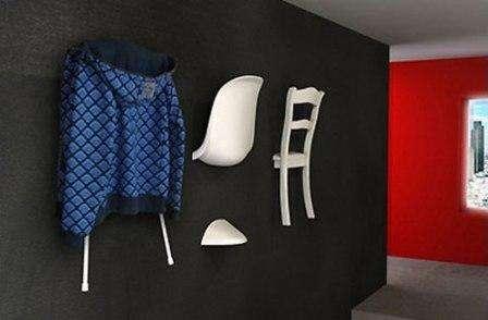 Если у вас есть старая мебель, не спешите ее выкидывать. Достаточно проявить немного фантазии и тогда, спинка от стула превратиться в вешалку или подставку.