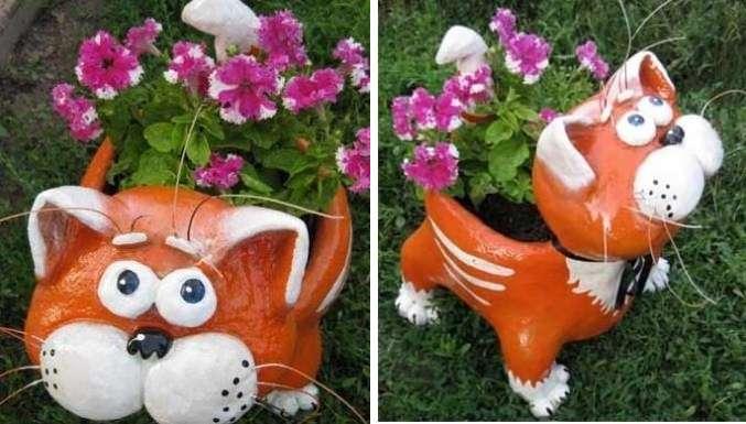 Осталось засыпать землю и высадить цветочки. На зиму клумбу лучше убирать, чтобы не потрескался цемент и краска от перепадов температур.