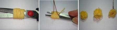 Для того чтобы сделать маленький помпон, вам нужно намотать вязальные нитки на ножницы, потом в центральной части их связать проволокой. Снимите заготовку с ножниц и разрежьте так, чтобы получился помпон.