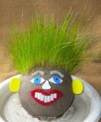 Весенние поделки в детский садик: как сделать травянчика. Фото