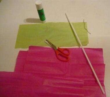 Делаем легкий цветок своими руками из цветной бумаги