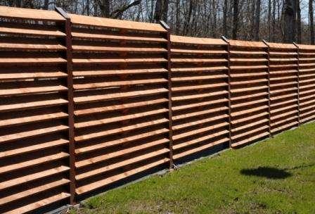 фото деревянного забора для дачи