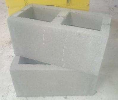 Они часто используются в строительстве, особенно когда нужно оперативно возвести какое-нибудь здание или сооружение. Строительные блоки