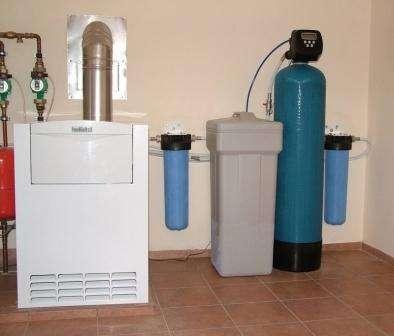 Умягчитель воды для газового котла сегодня пользуется спросом, так как по характеристикам не уступает другим видам умягчителей для аналоговых систем отопления. Когда газовый котёл устанавливается, к системе сразу нужн