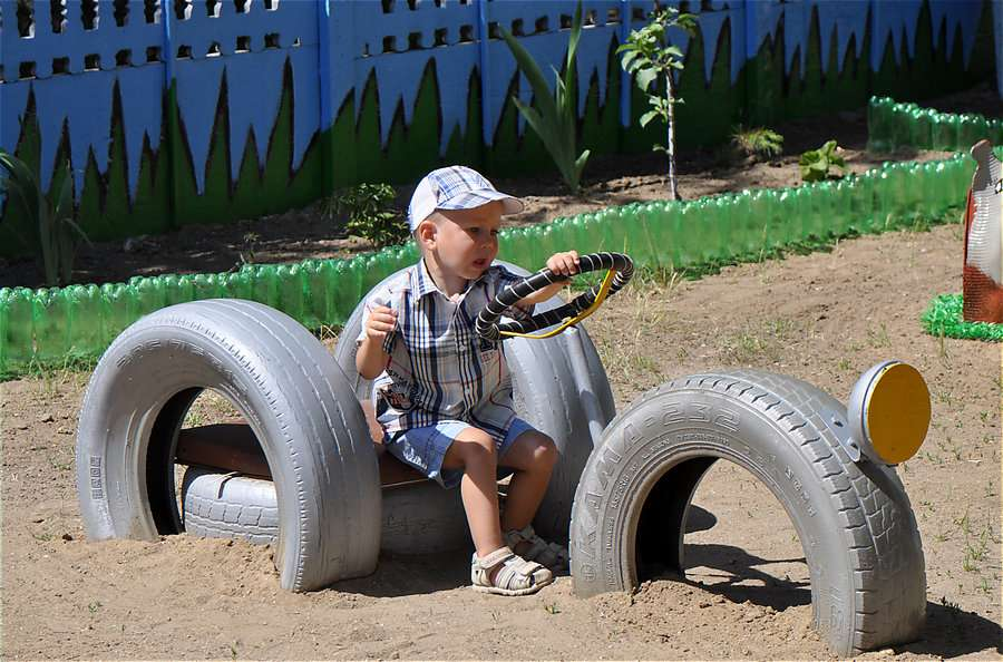 Машины из колесных шин