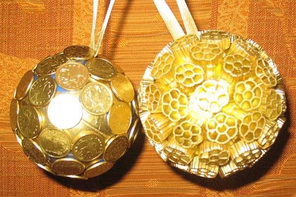 Елочные игрушки своими руками из шаров и нитки