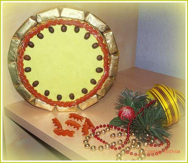 новогодние поделки из конфет своими руками