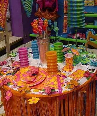 как украсить стол на юбилей своими руками