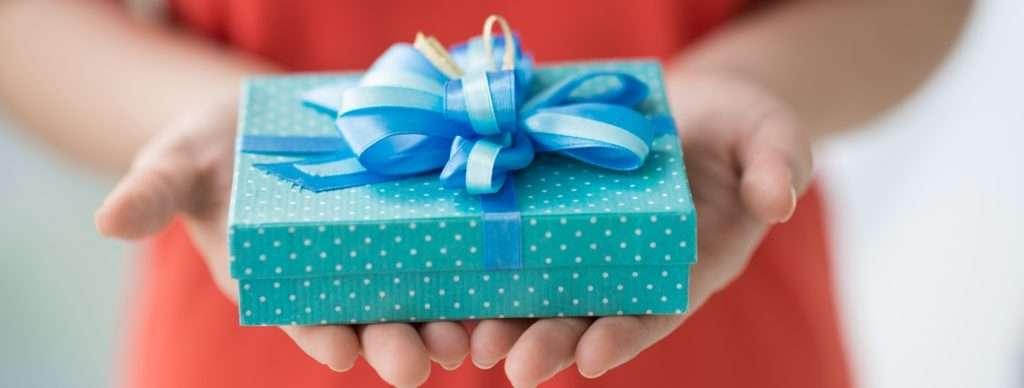 что подарить девушке подруге на день рождения