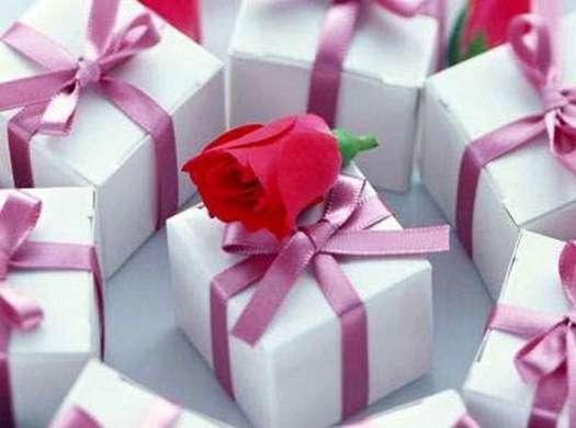 Сделать подарок  на 8 марта жене 159