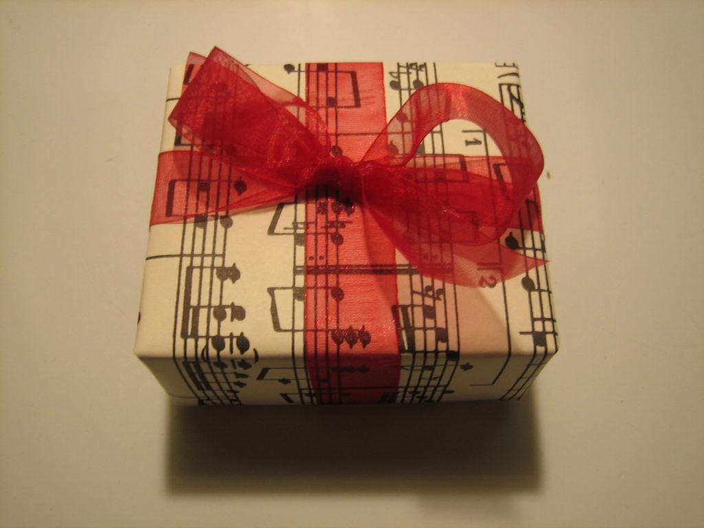 подарки на день влюбленных для мужчин своими руками