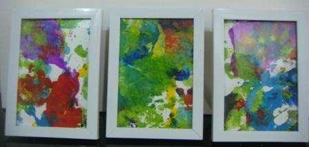 Весной можно рисовать самыми яркими красками, создавая веселые композиции. Детский рисунок в рамке – это уже новая идея для поделки в детский сад. Такую поделку весеннюю смогут сделать даже детки в возрасте до 3 л