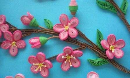Квиллинг – это одно из самых популярных направлений рукоделия, которым могут заниматься дети в садике и даже взрослые. По