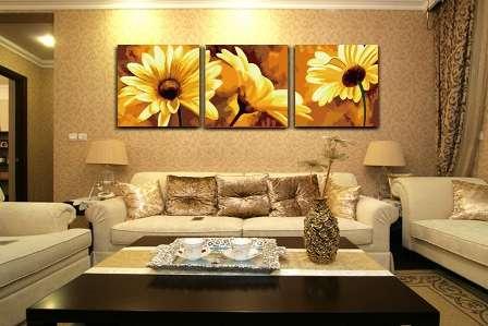 модульные картины в интерьере гостиной фото