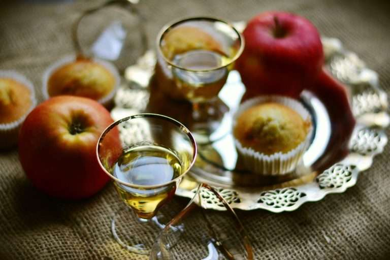 спасы в 2018 году медовый яблочный ореховый