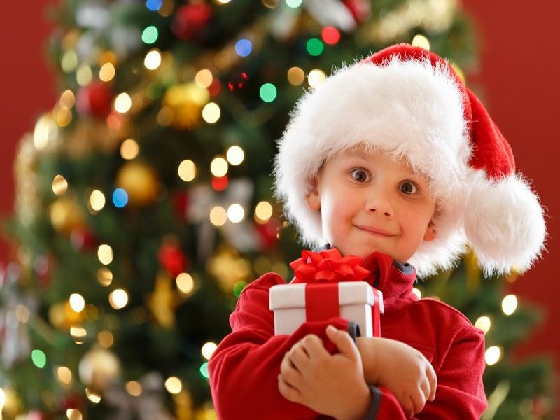 какой подарок подарить ребенку на Новый год