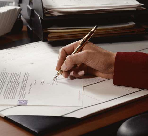 Какие документы нужны для декларирования легкой промышленности?